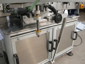 Mașină automată de etichetare a sticlelor rotunde pentru lipici non-uscat, cutie din lemn / mașină de etichetare pentru ambalare pentru CE